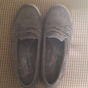 Skechers slip-on size 8 taupe never worn